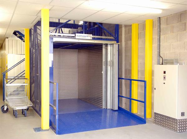 آسانسور صنعتی خودروبر